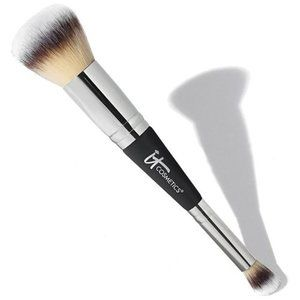 IT Cosmetics Heavenly Luxe Complexion Brush No. 7